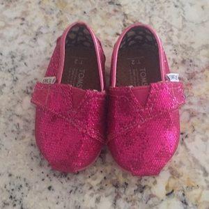 Toms Shoes - TOMS Hot Pink Glitter Classics - T2